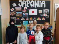 Uczniowie_klasy_2aW_w_japońskich_strojach